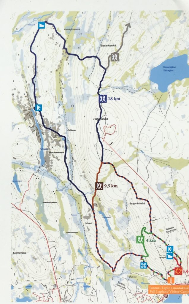 Map of hiking trails in Hetta