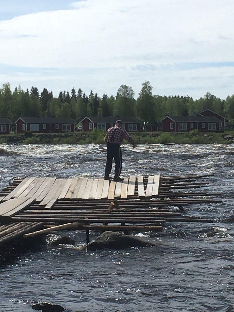 Traditional fishing at Kukkolankoski