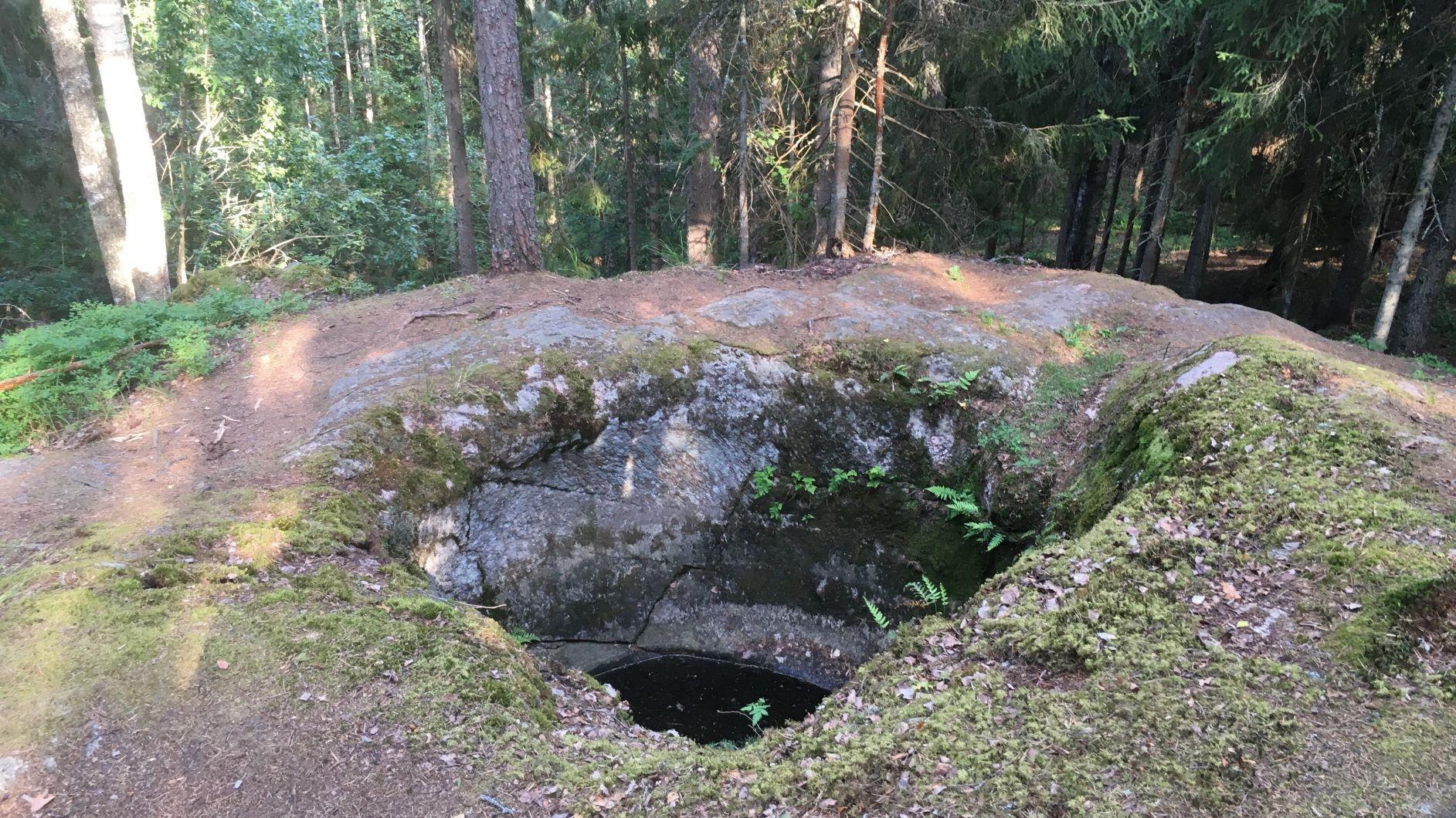 Talvia giants kettles in Lohja