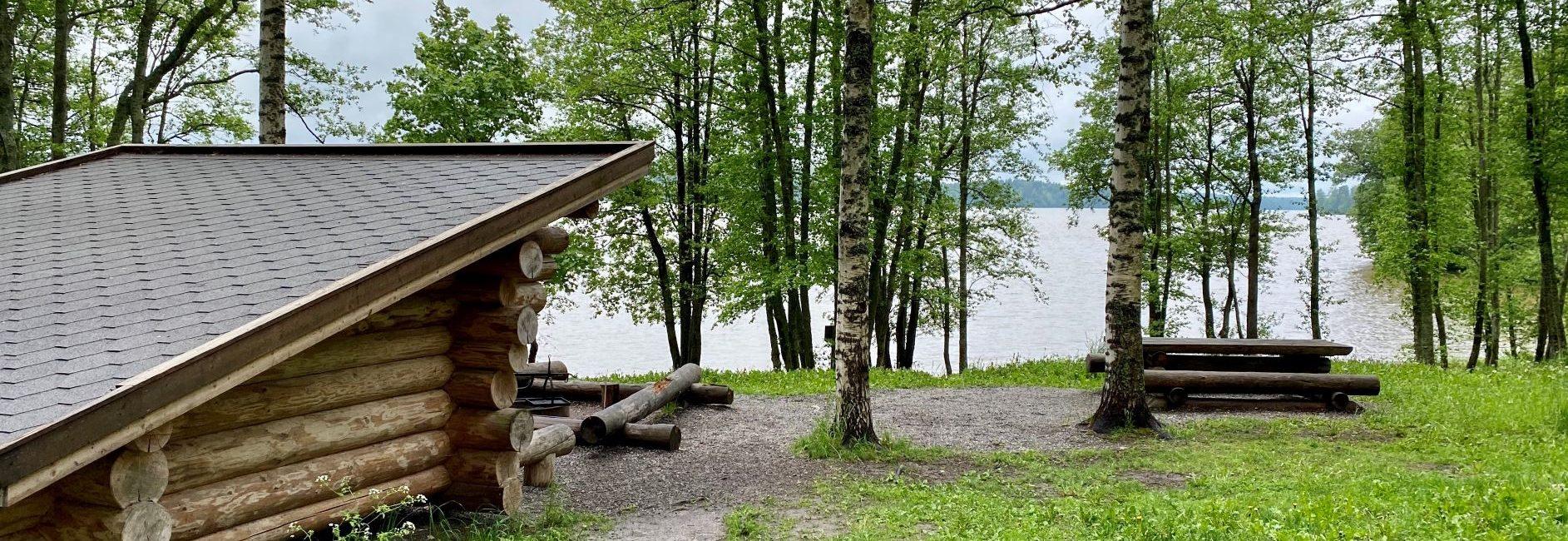 Puumanni lean-to shelter Pääkslahti nature trail