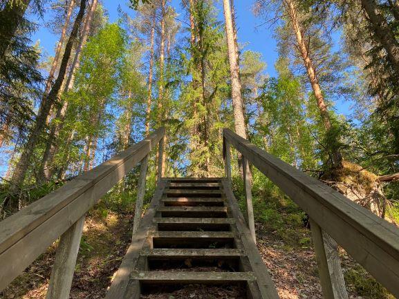 Ryövärinkuoppa stairs