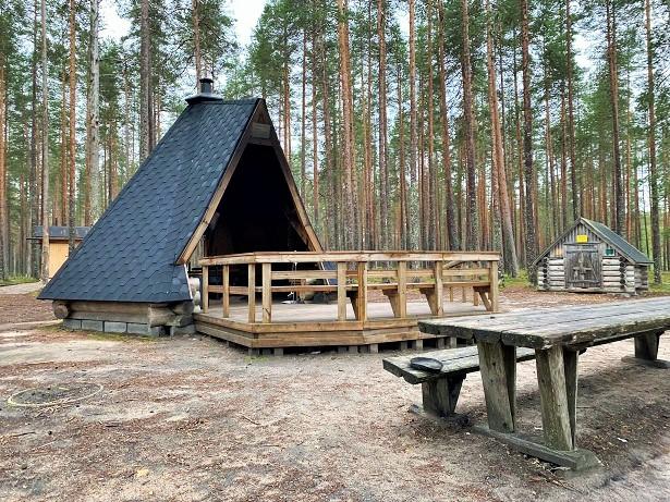 Pitkäjärvi lean-to shelter at Rokua