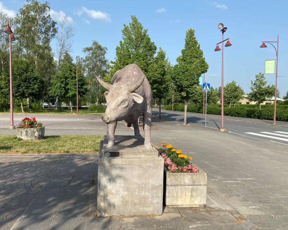 Ox statue in Somero