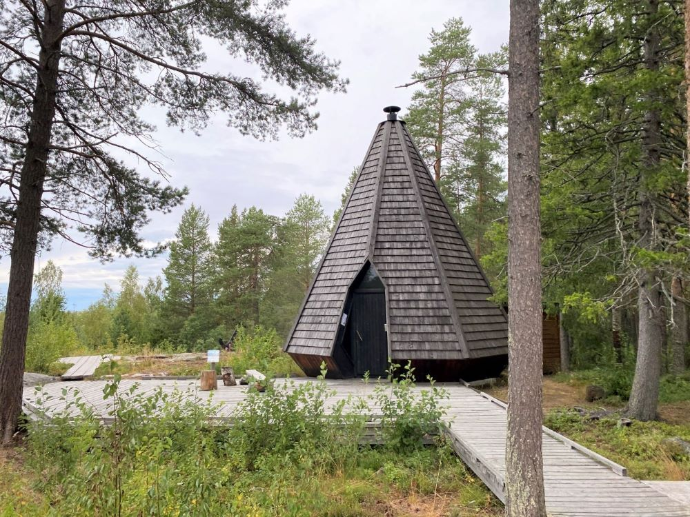 Barbeque hut at Ii