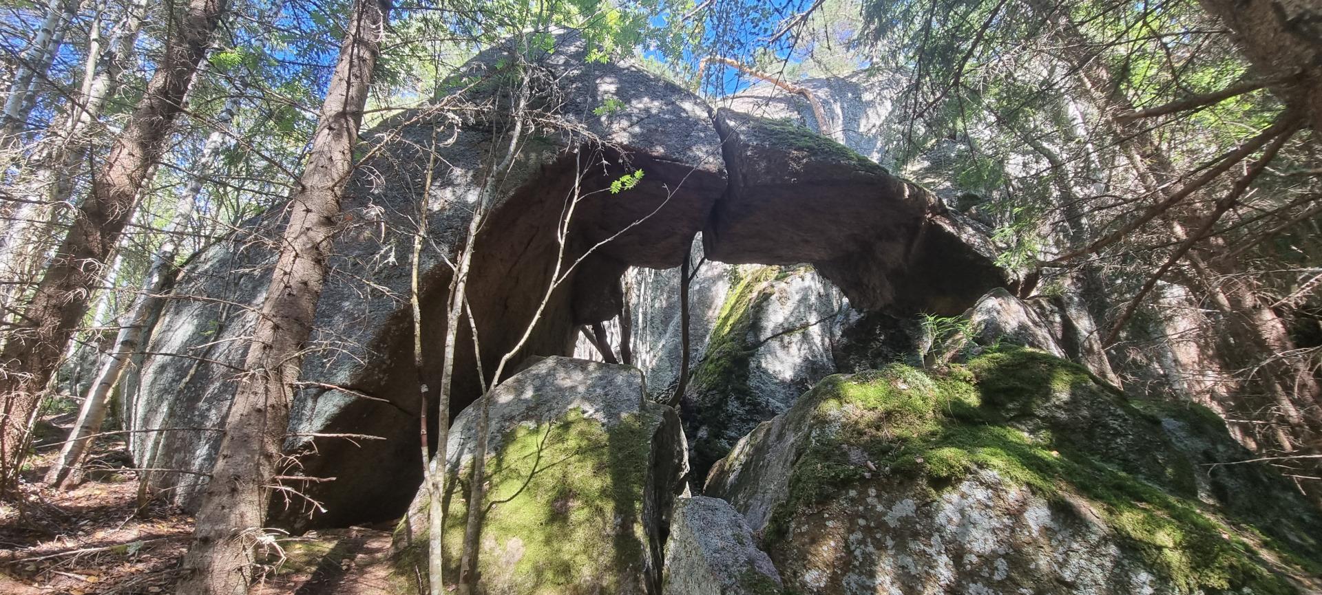 Putelon pirunportti Kaperin linna, Putelo devil's gate